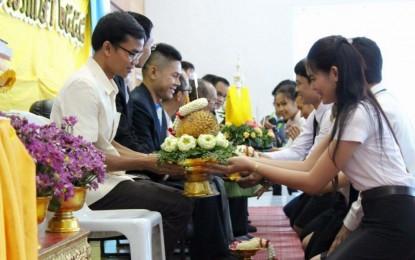 พิธีไหว้ครูและบายศรีสู่ขวัญน้องใหม่ ประจำปีการศึกษา 2558 นักศึกษาสาขาวิชาพุทธศาสนศึกษา