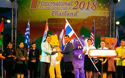 หลักสูตรครุศาสตรบัณฑิต สาขาวิชาพุทธศาสนศึกษา รับโล่การจัดงานเทศกาลโคราชศิลปะและวัฒนธรรมนานาชาติ 2561